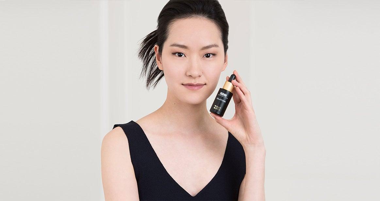 Asian young model ISDINCEUTICS Melatonik